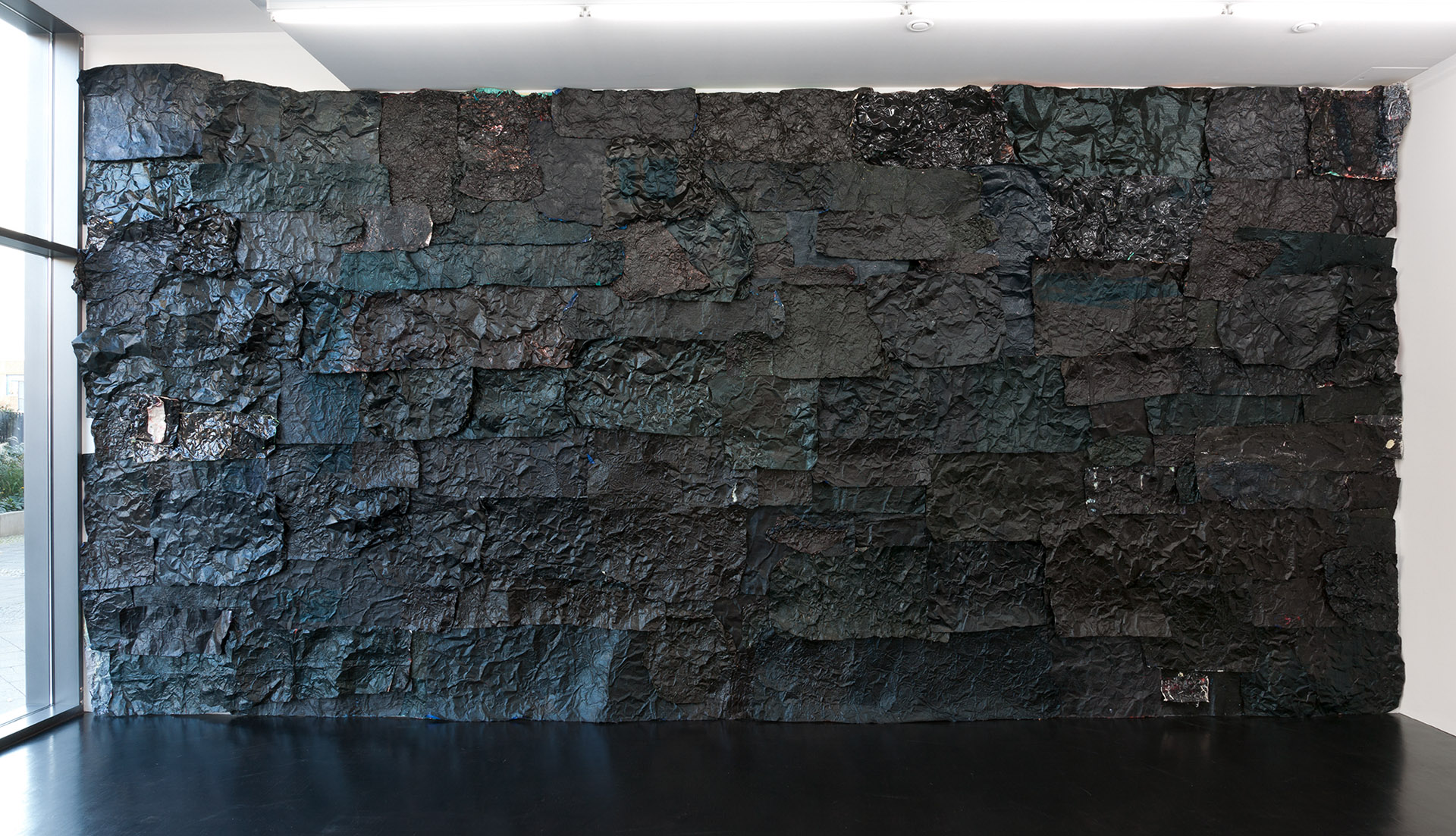 Angela Dwyer –Schotter's Nation, 2011, oil and lacquer on copper and aluminium, 400 x 800 cm